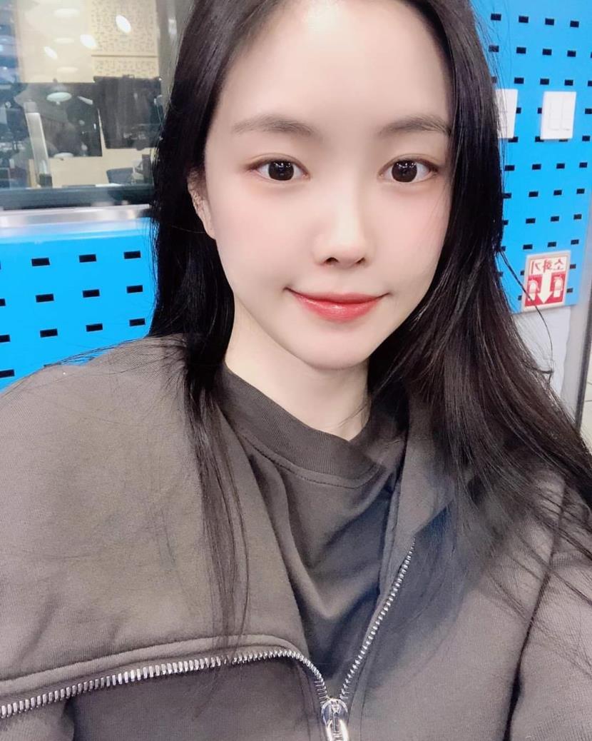 전설은 아니고 레전드였던 17시즌 안지영 - 여자 연예인 - 에펨